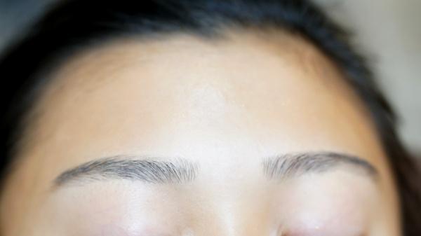中学生の眉毛カット