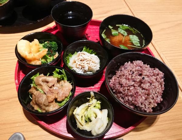 グランフロント大阪ご飯