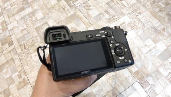 カメラモニター