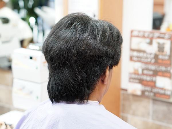 伸びすぎた、髪の毛